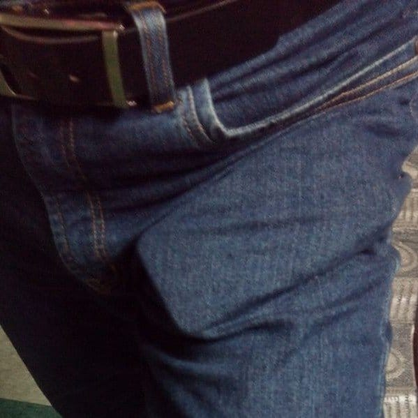 How-not-to-put-your-iPhone-in-Pocket