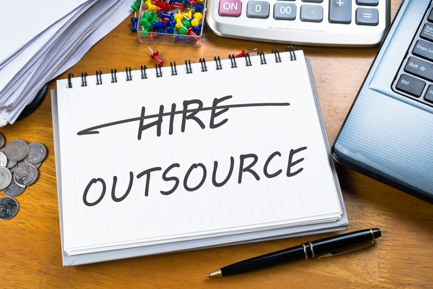 Hire In-House or Outsource – 10 Points to Consider Before Hiring Local vs Remote Talent